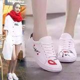 2016潮夏季韩版休闲小白鞋女系带平底圆头时尚运动板鞋闺蜜鞋包邮