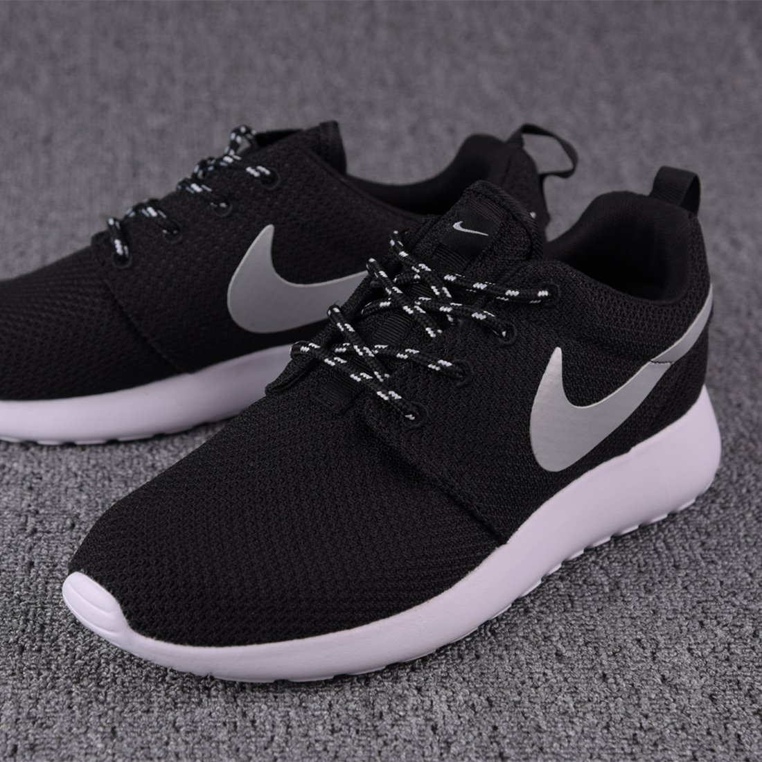 耐克官方旗舰店男鞋跑步鞋Nike Roshe Run One休闲运动女鞋511882