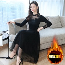 In autumn and winter Mrs. Noble woman with velvet thickened medium and long bottom broad knee sweater lace dress