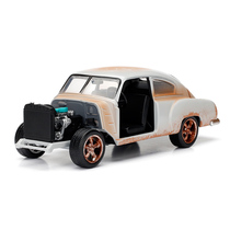 Shadow time fast and Furious surrounding Domic Chevy 1:24 alloy material car model ornaments