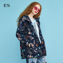 Aige ES2018 Winter New Womens college wind print loose long sleeves medium-length windbreaker 8E033405240