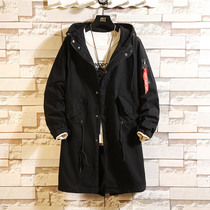 Spring and autumn tooling men in the long section of the windbreaker tide coat plus fertilizer to increase the size of the Korean students handsome coat fat
