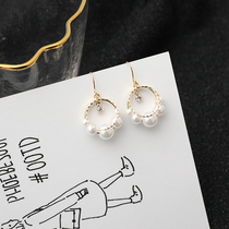Round pearl hollow earrings female face Thin senior French earrings 2019 new tide simple wild earrings