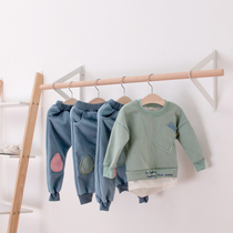 Nordic simple wind custom children's clothing store hanger display three-dimensional wall hanging hanger solid wood hanging