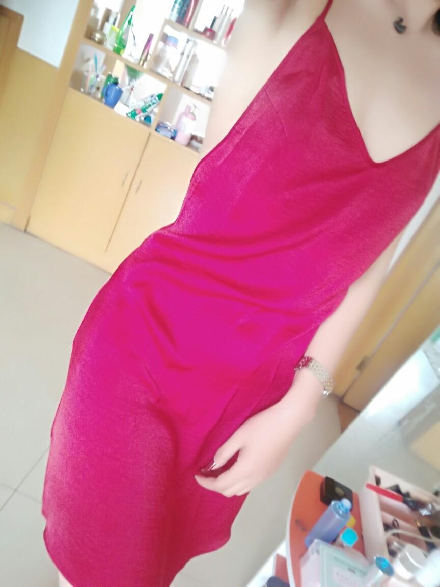 宝贝,收到了,包装不错,裙子质量也不错,本命年尝试一下不一样的风格